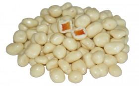 Papaya kandiert in weißer Schokolade