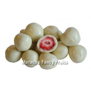 Erdbeeren gefriergetrocknet in feiner weißer Schokolade
